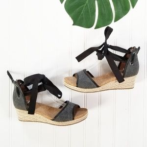 Ugg Amell Ankle Tie Wrap Wedge Sandals 7